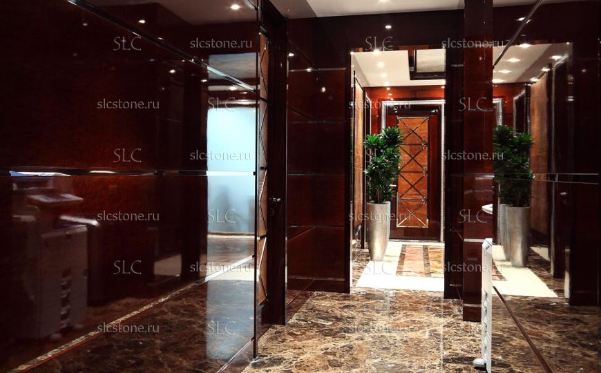 Пол в коридоре офисного здания