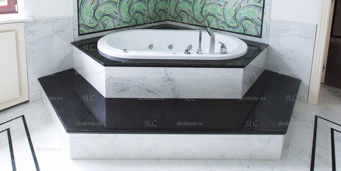 Зелёный оникс в строгом интерьере ванной комнаты 5