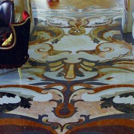 Художественные полы из мрамора с рисунком в стиле барокко